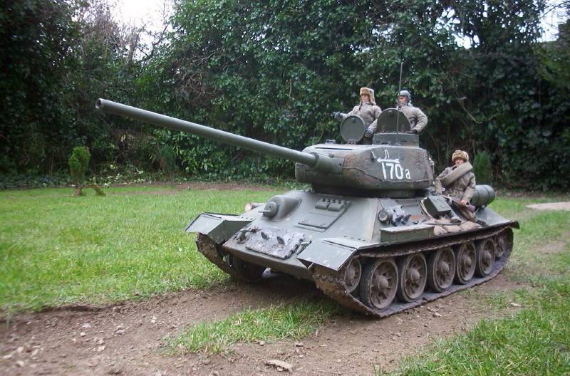 Radio Controlled Tank T-34/85 1/6 scale